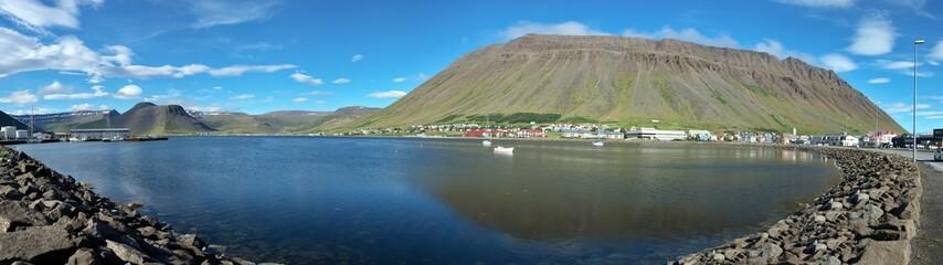 Panorama de la baie d'Isafjordur en Islande