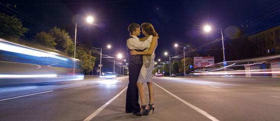 Любовь в ночном городе