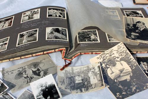 Leinwandbild Motiv Alte Fotos, altes Fotoalbum