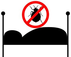 Verbotsschild für Bettwanzen über Bett