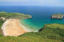 Playa de La Ballota. Concejo de Llanes, Principado de Asturias.