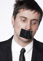 Jeune employé censuré