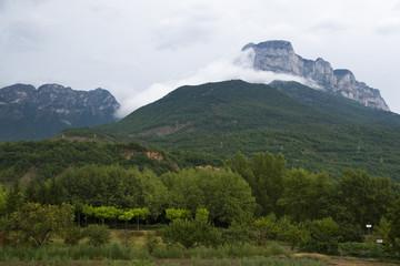 montaña en pirineos, aragón, españa