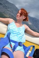 Femme sur un bateau