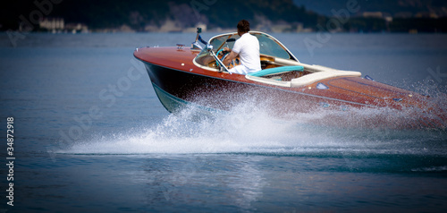 Fotobehang Water Motorsp. riva ariston