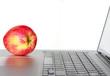 Apfel und Laptop