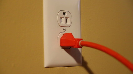U.S. Wall Outlet