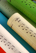spartiti musicali colorati - uno