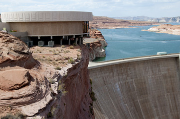 Glen Canyon Dam on Lake Powell Arizona/Utah USA