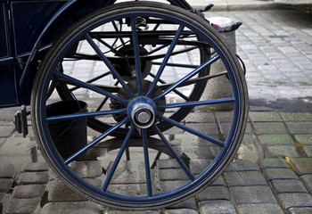 wheel horse-drawn carriage