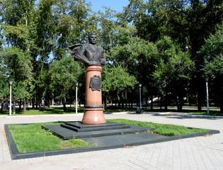 Памятник маршалу Малиновскому.