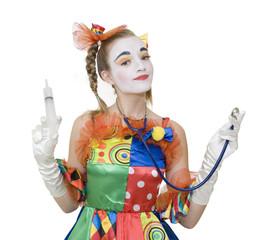 Clownette en infirmière avec sa seringue