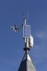 Small solar powered hitech meteo station