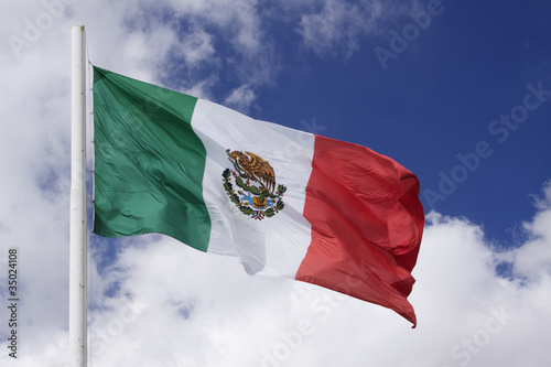 Flapping Mexican flag