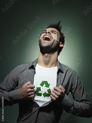 Caucasian man with recycling symbol in his shirt