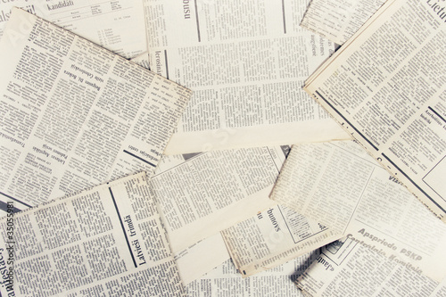 Leinwanddruck Bild old newspapers