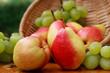 Birnen und Weintrauben