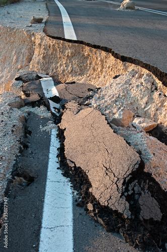 Broken Road - 35077949