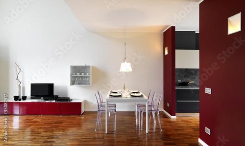 moderno soggiorno con tavolo da pranzo apparecchiato di adpePhoto ...
