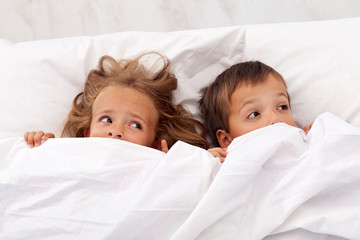 Kids afraid pulling the quilt on their heads