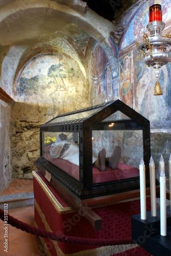 Relique dans l'ermitage de Santa Caterina del Sasso - Italie - 35113132