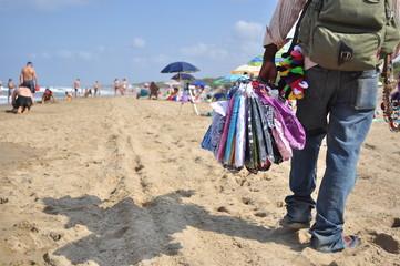 Venditore ambulante in spiaggia