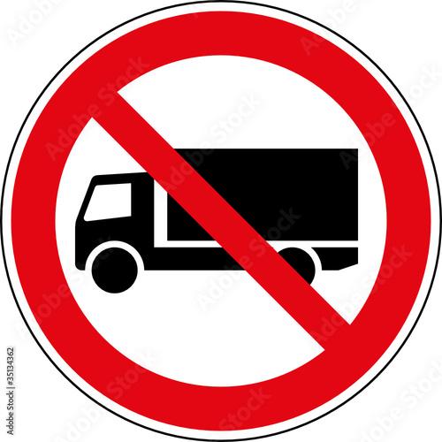 verbotsschild lkw lastkraftwagen verboten zeichen stockfotos und lizenzfreie vektoren auf. Black Bedroom Furniture Sets. Home Design Ideas