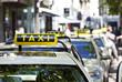 deutsche Taxis in der Warteschlange