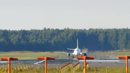 HD - Aircraft take off (Boeing 737-500)