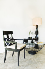 Contemporary seating combination in black