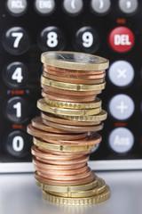 Geldturm = Geld / Taschenrechner