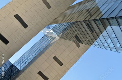 Modernes Bürogebäude (Detail)