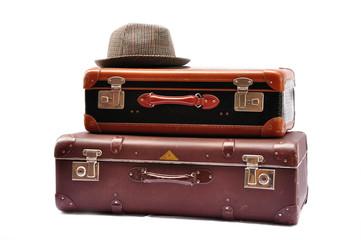 Alte Koffer mit Hut