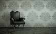 Wohndesign - Barocksessel vor grauer Wand