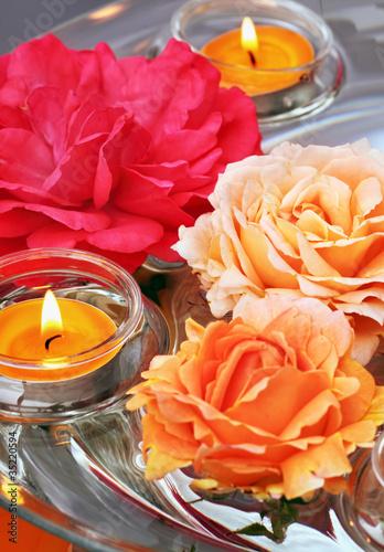 schwimmende kerzen und rosen stockfotos und lizenzfreie bilder auf bild 35220594. Black Bedroom Furniture Sets. Home Design Ideas