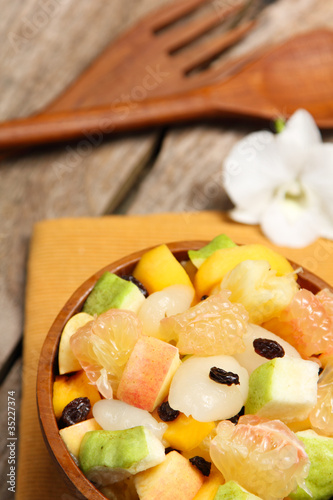 Varieties fruits salad in a bowl