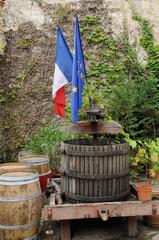 vieux pressoir en Gironde