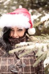 Miss Santa im Wald