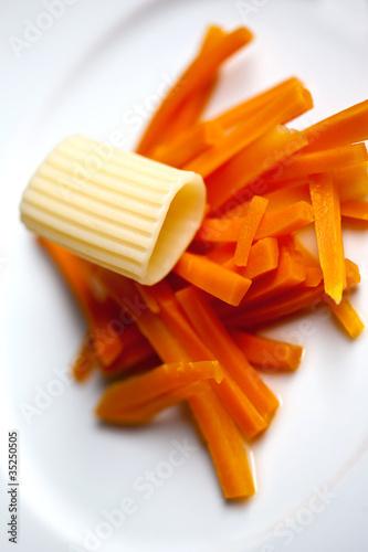 Cuisine, gastronomie, entrée, pâtes, salade, carottes