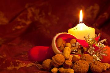 Weihnachtskarte - Kerze - Nikolaus Stiefel mit Nüssen