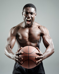 Aggresive basketballer