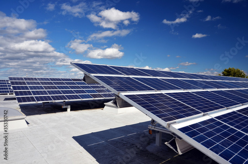 Leinwanddruck Bild Solaranlage auf Dach