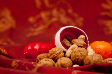 Weihnachtskarte - Nikolaus Stiefel mit Nüssen gefüllt