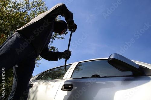 Autodiebstahl von außen