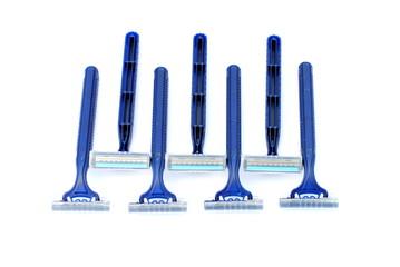 disposable blu razors, duoble blade and plastic body