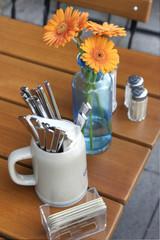 Tischgedeck in einem Cafe Restaurant