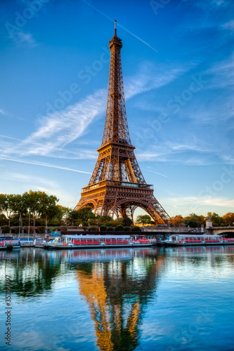 Tour Eiffel Paris France - 35399797