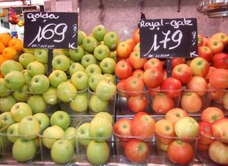 Frutería en el Mercado de La Boquería de Barcelona