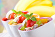 Müsli mit frischen Früchten