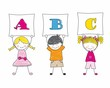 niños enseñando las letras del abecedario